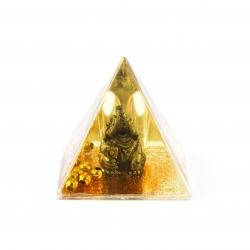 Pyramída so slonom