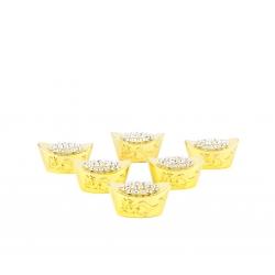Kovové ingoty s krištáľmi