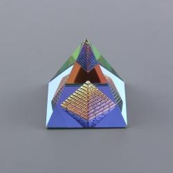 Pyramída v pyramíde (L)